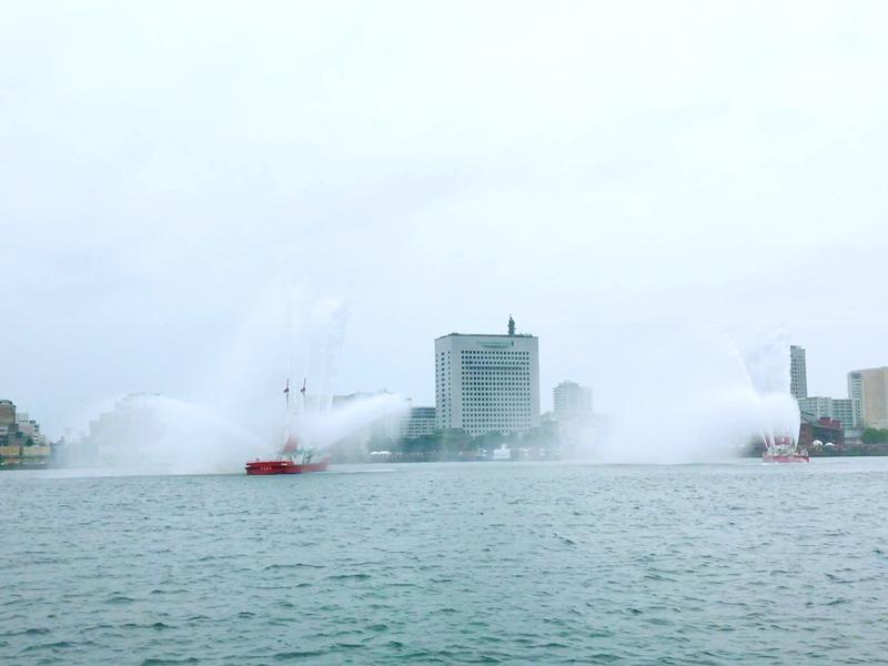 横浜市消防局消防艇
